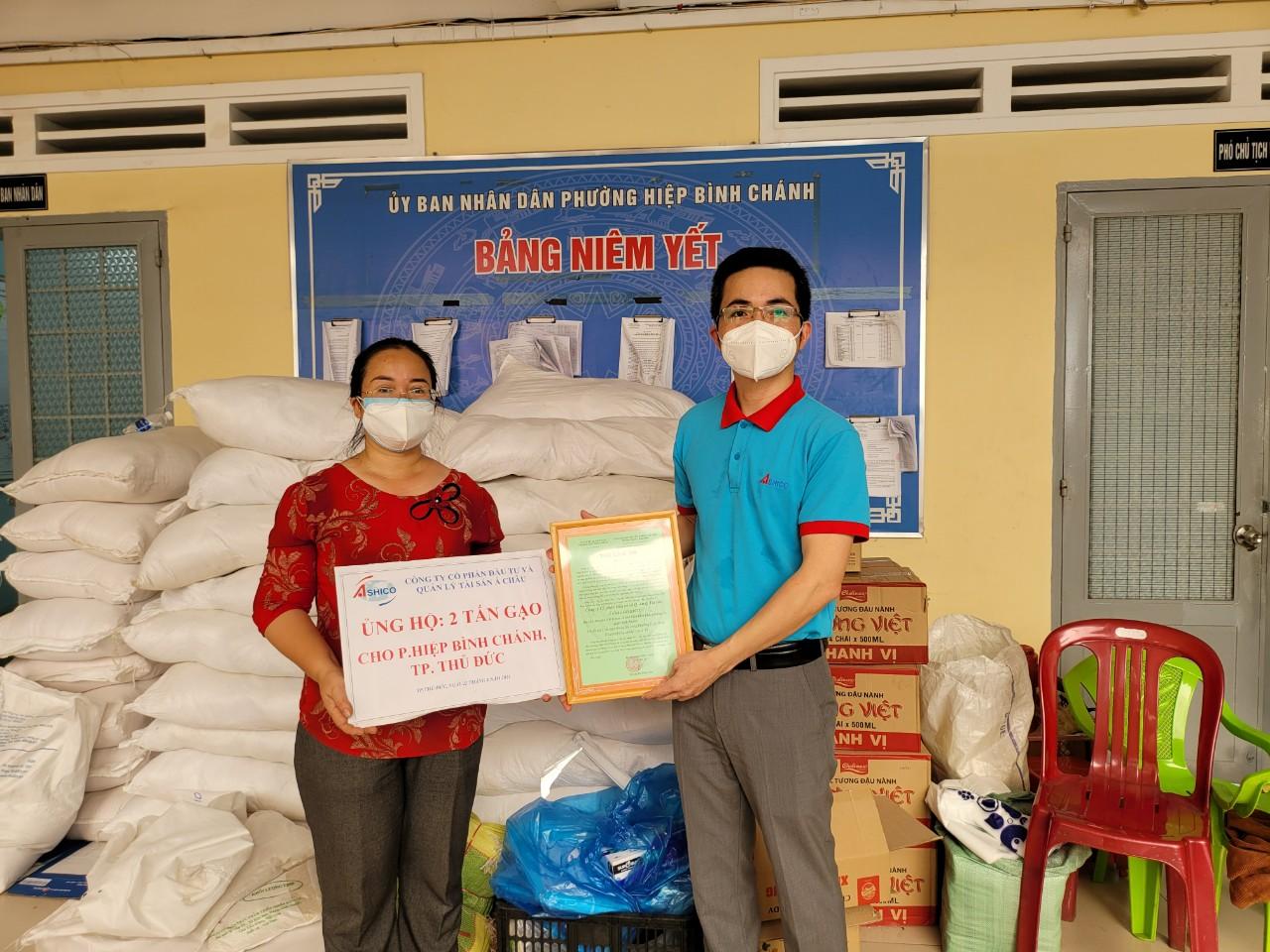 Ashico trao tặng 10 tấn gạo và 200 phần quà cho người dân gặp khó khăn trên địa bàn các Quận tại TP.Hồ Chí Minh