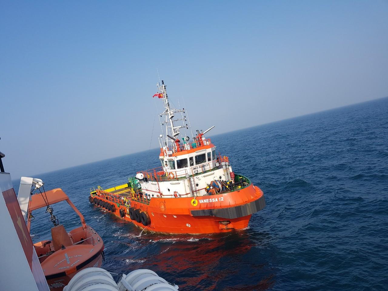 Tàu Vanessa 12 đã phối hợp với tàu biên phòng BP 030802 cứu được 6 thuyền viên tàu Phương Nam bị chìm lúc 6h45' ngày 09/5/2019